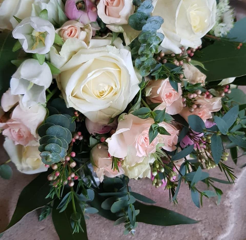 whites-pink-roses
